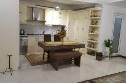 یک واحد آپارتمان بسیار خوش نقشه در شهرک نریمان به متراژ 146 متر بفروش میرسد